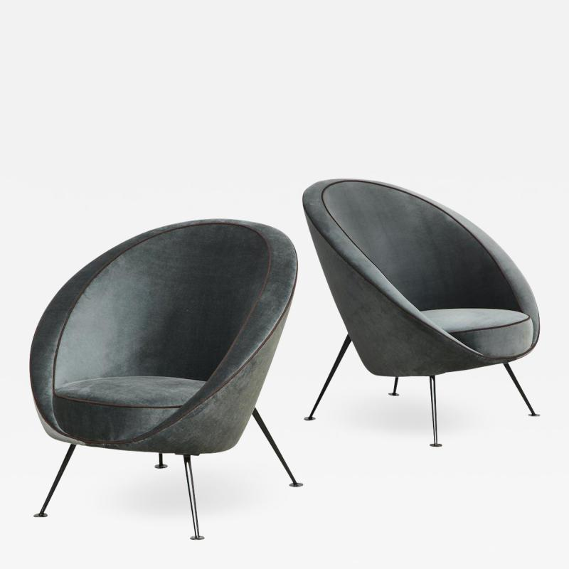 Cassina Rare Pair of Egg Chairs model no 813 by Ico Luisa Parisi