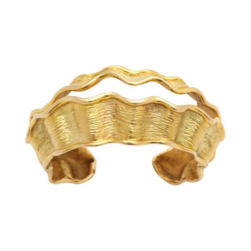 Chanel Chanel Chanel Vintage 18 kt Gold Cuff