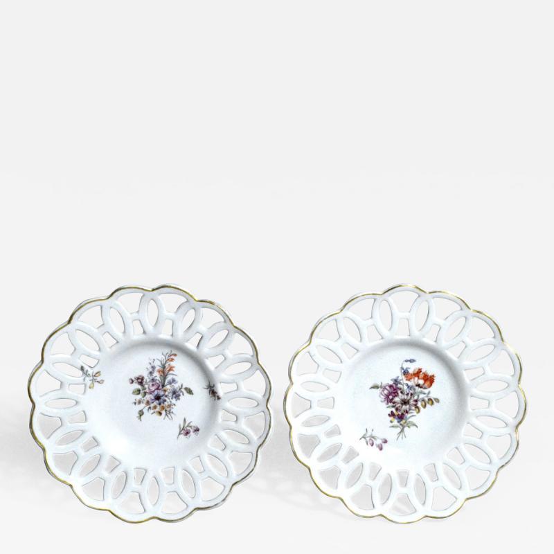 Chelsea Porcelain Manufactory Antique English Porcelain Botanical Chelsea Latticed Circular Dishes