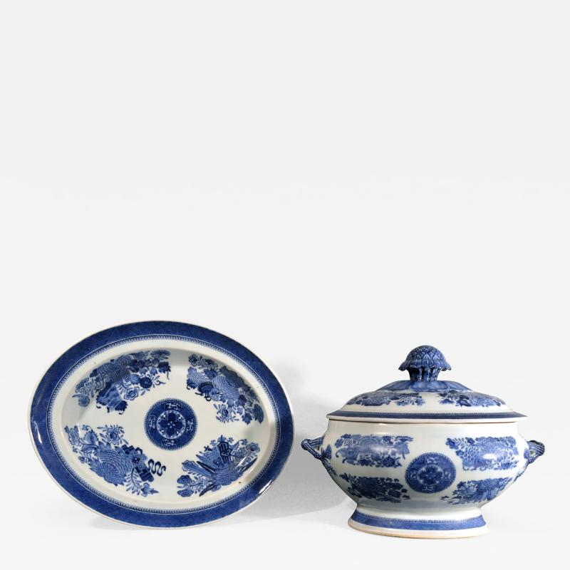 Chinese Porcelain 18th Century Chinese Export Porcelain Blue Fitzhugh Soup Tureen Cover Stand