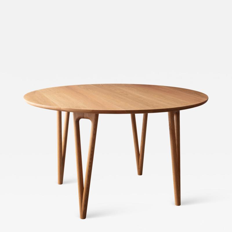 David Gaynor Design Hair Pin Dining Table 52