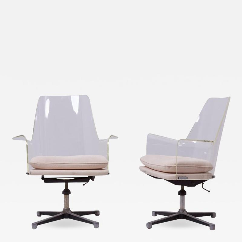 Erwine and Estelle Laverne Pair of Swivel Chairs Made of Lucite in Manner of Laverne