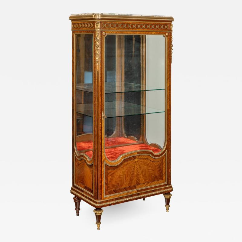 Haentge s Freres A kingwood display cabinet by Haentges Fr res