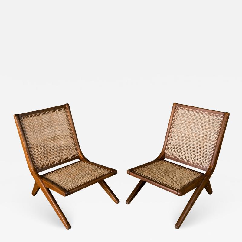 Le Corbusier Le Corbusier Pair of Lounge Chairs