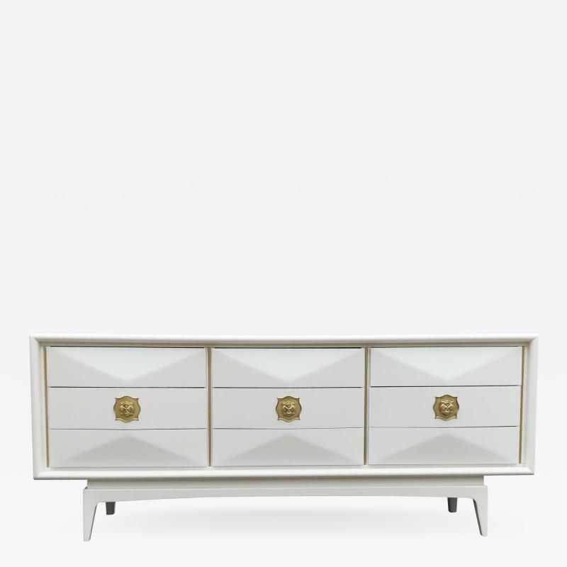 Monteverdi Young 1960s Pristine White Monteverdi Young Nine Drawer Dresser Glamourous Pulls