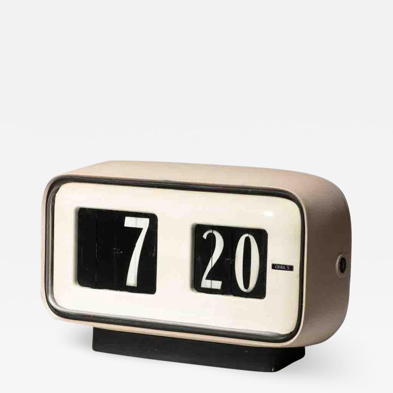 Solari Udine Cifra 5 Desk clock by Gino Valle for Solari