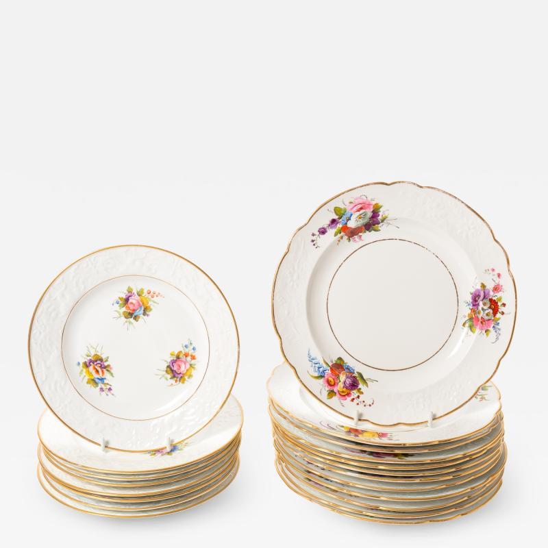 Spode Set of 12 dinner plates and 8 dessert plates