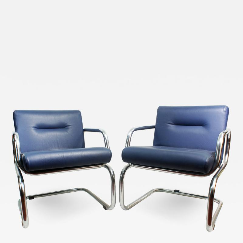 Thonet Pair of Cantilever leather Lounge Chairs Manufactured by Thonet in 1980