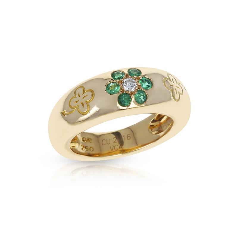 Van Cleef Arpels VAN CLEEF ARPELS EMERALD AND DIAMOND FLORAL RING WITH ALHAMBRA DESIGN 18K
