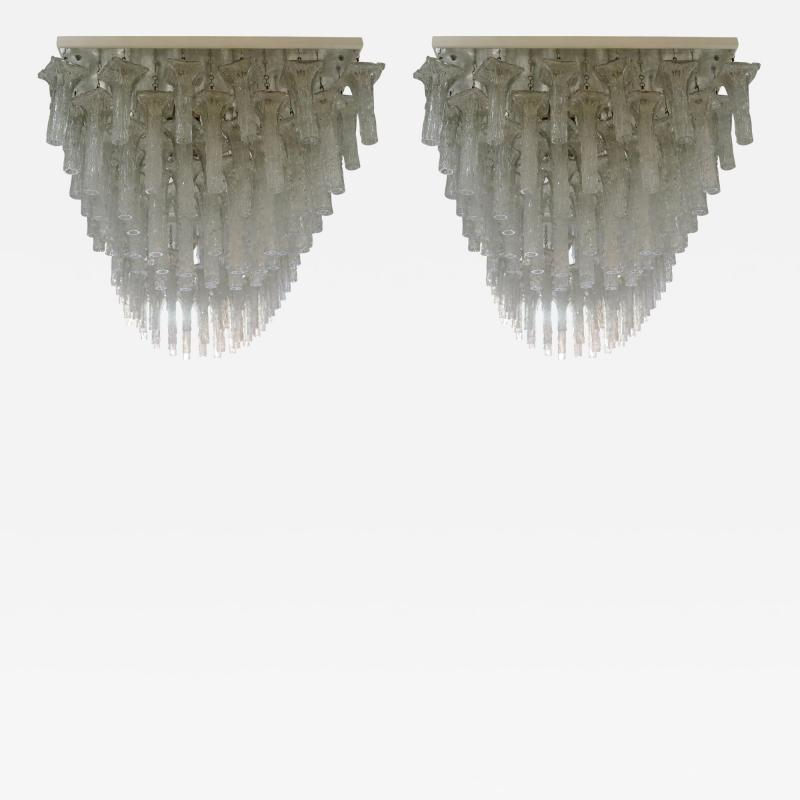 Venini Oversized pair chandeliers by Venini with ca 150 glass pieces