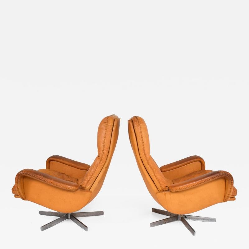 de Sede Midcentury Set of Two De Sede S 231 James Bond Swivel Arm Lounge Chairs 1960s