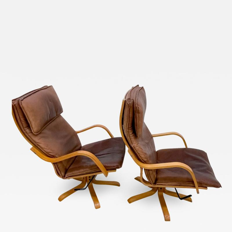 de Sede Style de Sede Tall Leather Lounge Chairs Blonde Wood Star Base Italy 1960s