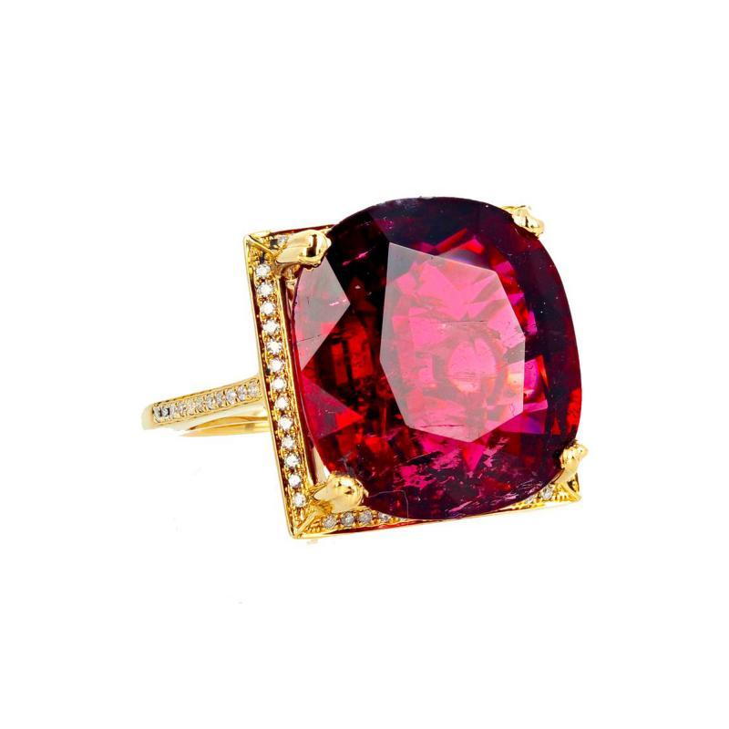 16 21 Carat Red Glittering Tourmaline and Diamond 14KT Yellow Gold Ring