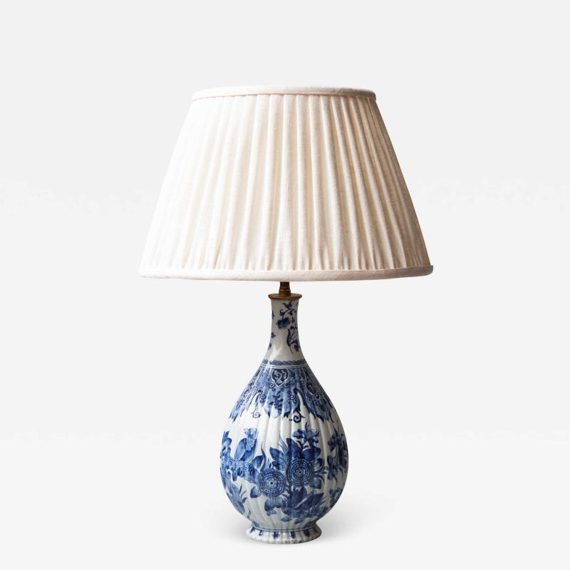 18TH CENTURY DELFT VASE CONVERTED TO A LAMP