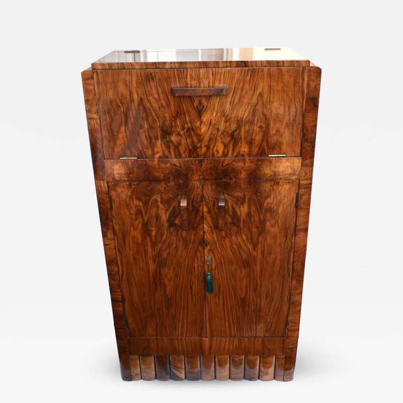 1930s Art Deco Fitted Walnut Cocktail Cabinet