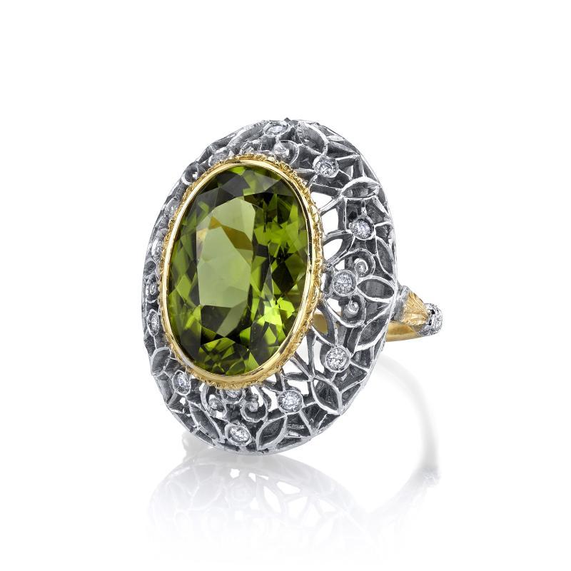 8 85 Carats Oval Peridot and Diamond 18k Yellow and White Gold Ring
