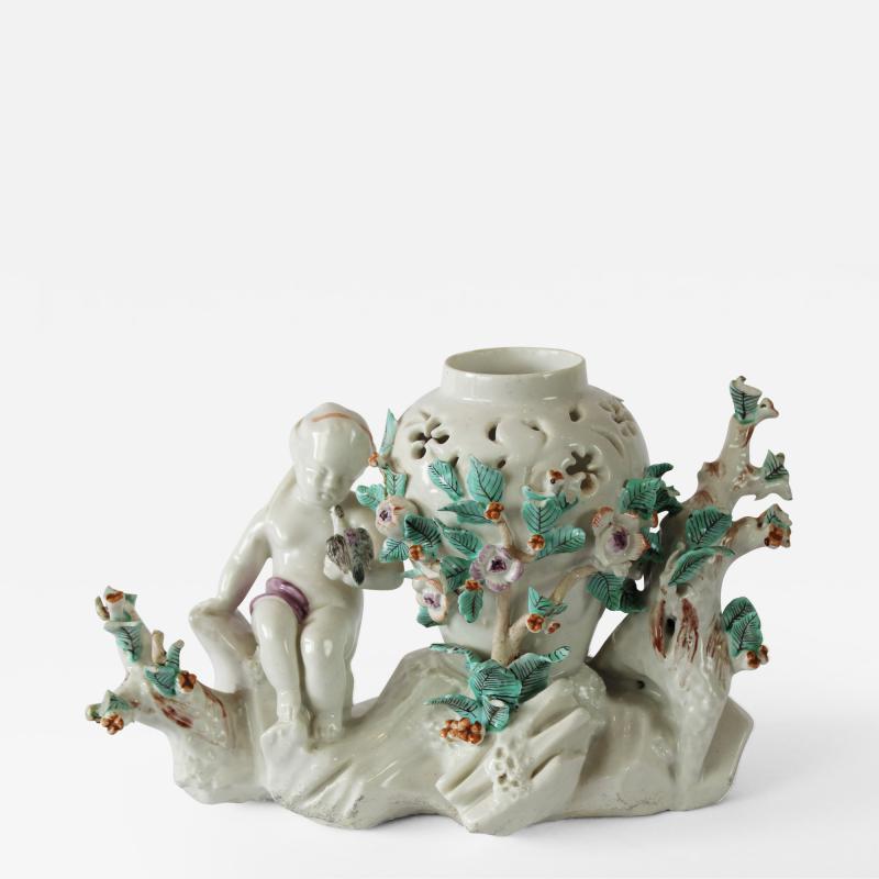 A Chantilly Pot Pourri Vase