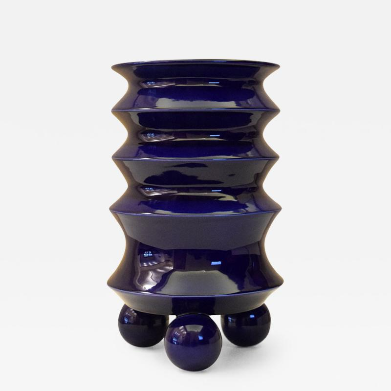 ADN Studio Mauricio Paniagua y Tony Moxham Contemporary Design Urn Vase