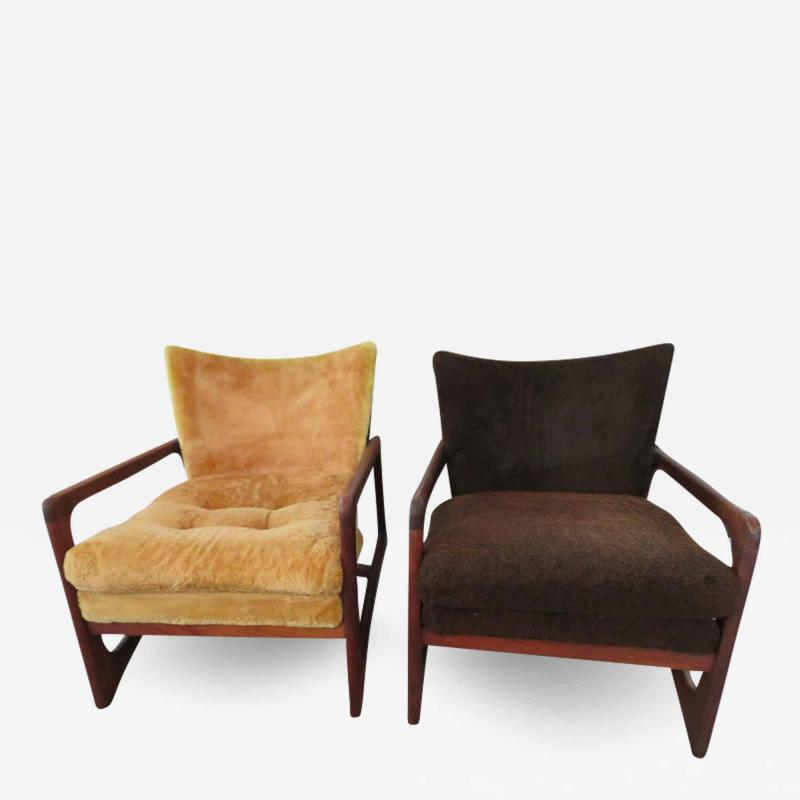 Adrian Pearsall Wonderful Pair of Adrian Pearsall Sculptural Walnut Lounge Chairs plus Ottoman