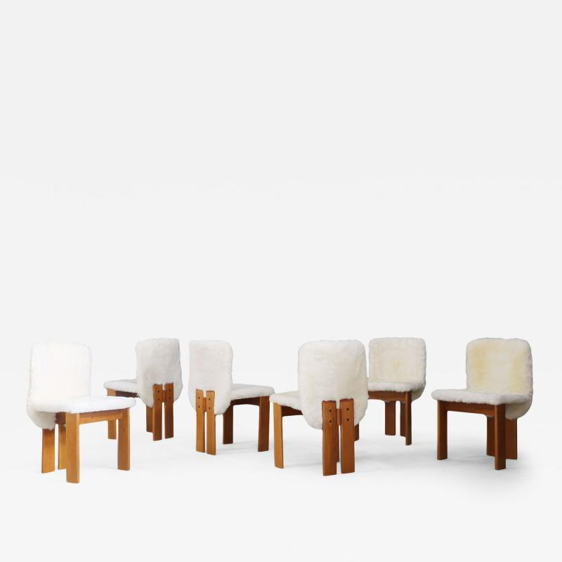 Afra Tobia Scarpa Afra and Tobia Scarpa Set of six chair MidCentury in Fur and wood 1970s