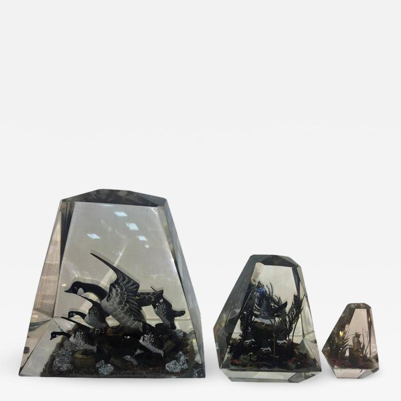 Alessandro Albrizzi Modern Trio of High End Solid Lucite Obelisks With Diorama of Wildlife Scenes