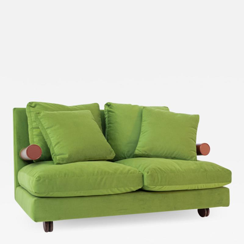 Antonio Citterio B B ITALIA BAISITY Sofa by Antonio Citterio in green velvet 1980s
