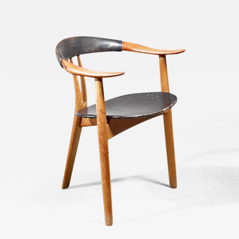 Arne Hovmand Olsen Arne Hovmand Olsen three legged chair Denmark 1950s