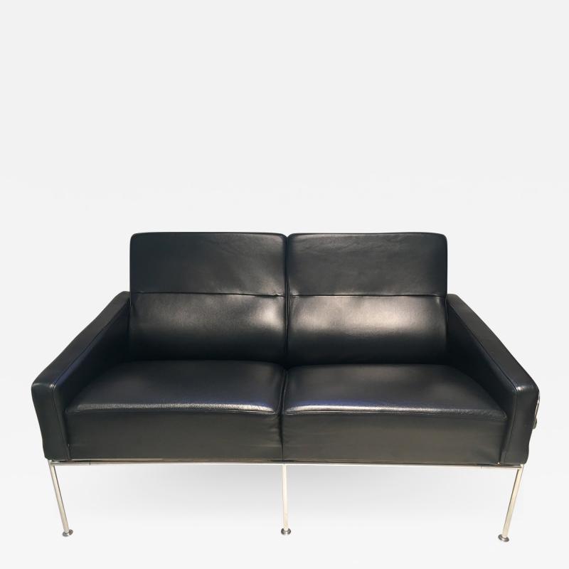 Arne Jacobsen Arne Jacobsen Black Leather Airport Sofa Model 3302 Produced by Fritz Hansen
