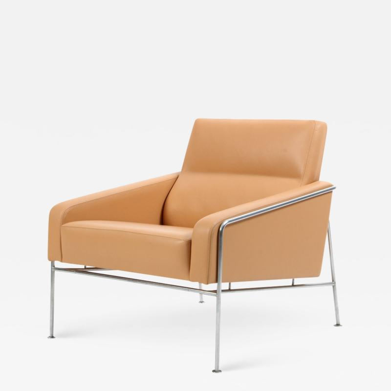 Arne Jacobsen Arne Jacobsen Series 3300 Natural Leather Armchair Fritz Hansen