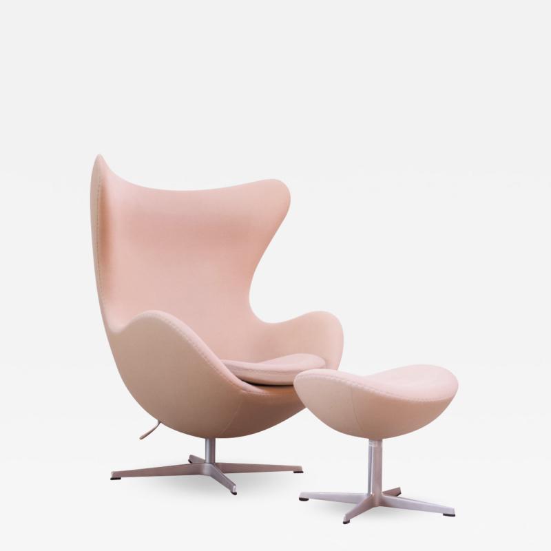Arne Jacobsen Arne Jacobsen for Fritz Hansen Egg Chair and Ottoman Distributed by Knoll