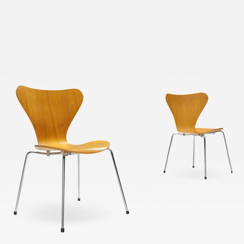 Arne Jacobsen Butterfly Chair Arne Jacobsen Series 7 1981
