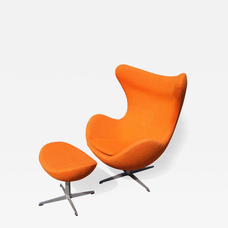 Arne Jacobsen Egg Chair and Ottoman by Arne Jacobsen for Fritz Hansen