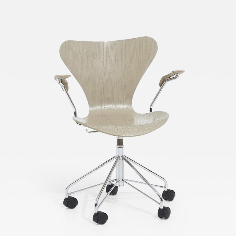 Arne Jacobson Ant Arm Chair