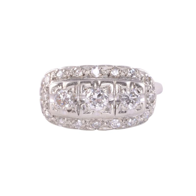 Art Deco VS Diamond White Gold Ring