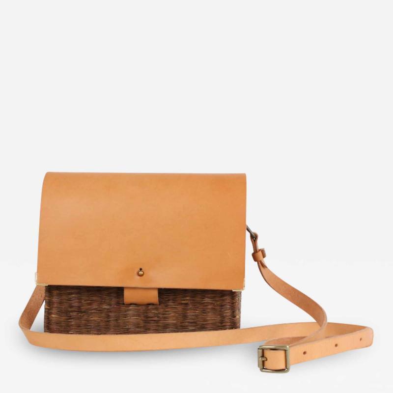 B n dicte Magnin Robert Bespoke Leather and Willow Bark Crossbody Bag Le D vou