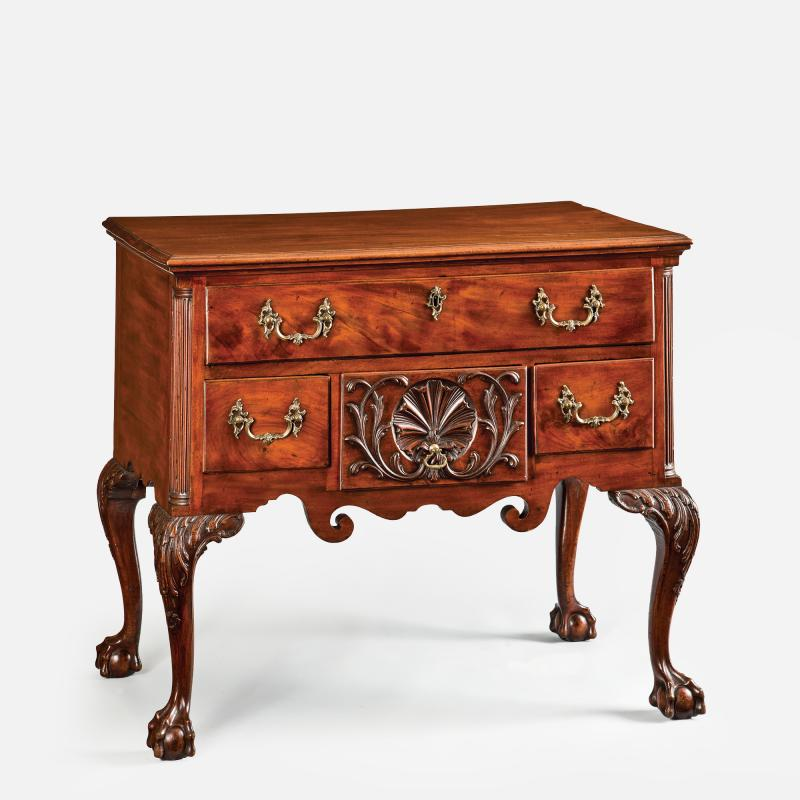 Benjamin Randolph A Philadelphia Mahogany Dressing Table attributed to Benjamin Randolph