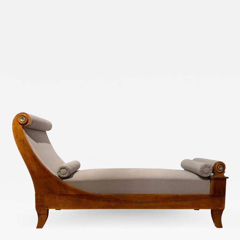 Biedermeier Chaise Longue Polished Walnut Germany circa 1820
