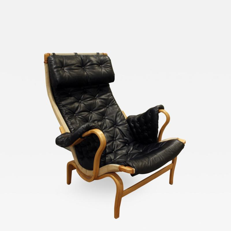 Bruno Mathsson Bruno Mathsson Pernilla Loung Chair with Tufted Black Leather 1969 signed