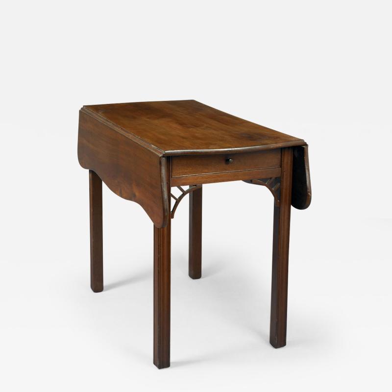 CHIPPENDALE PEMBROKE TABLE