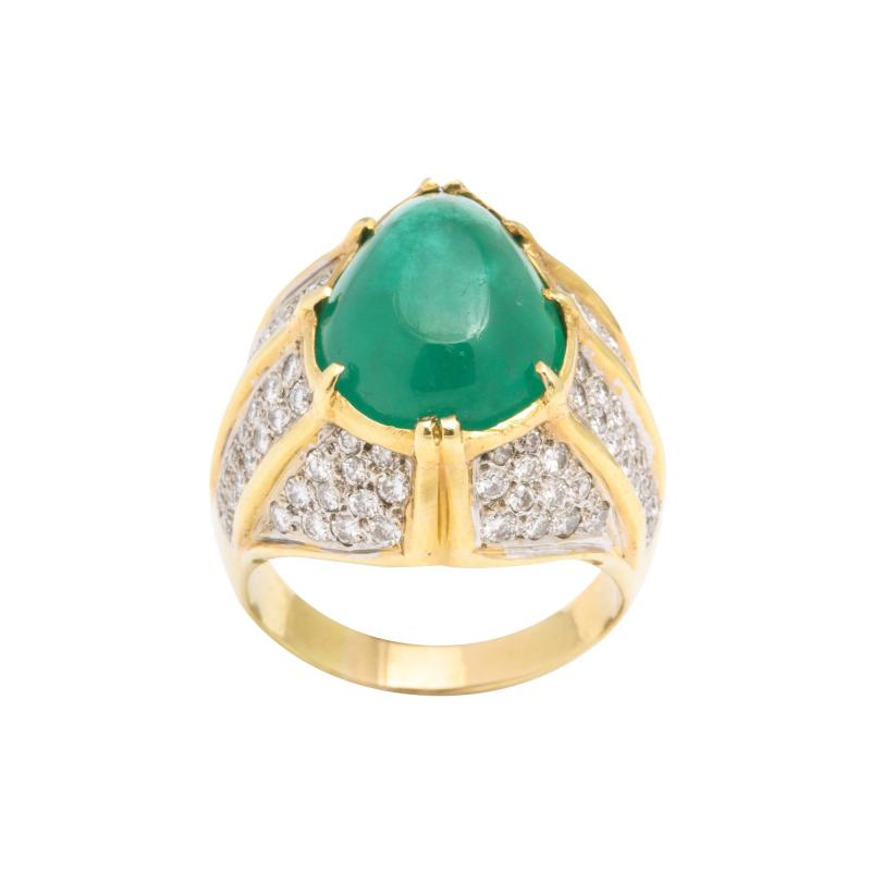 Cabouchon Emerald Ring