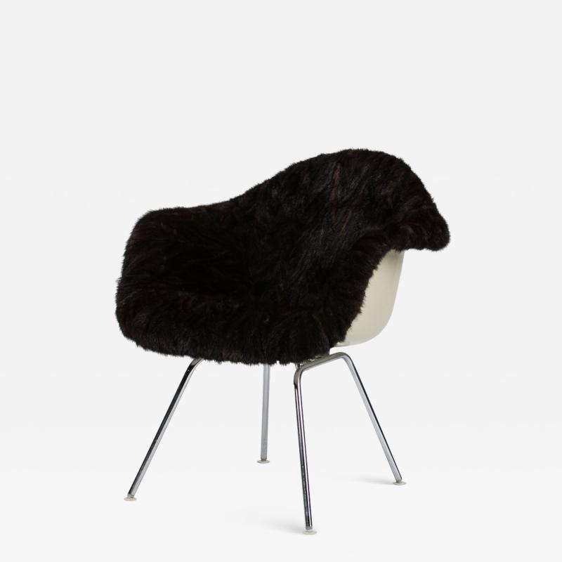 Charles Eames Eames Armchair covered with high quality fur