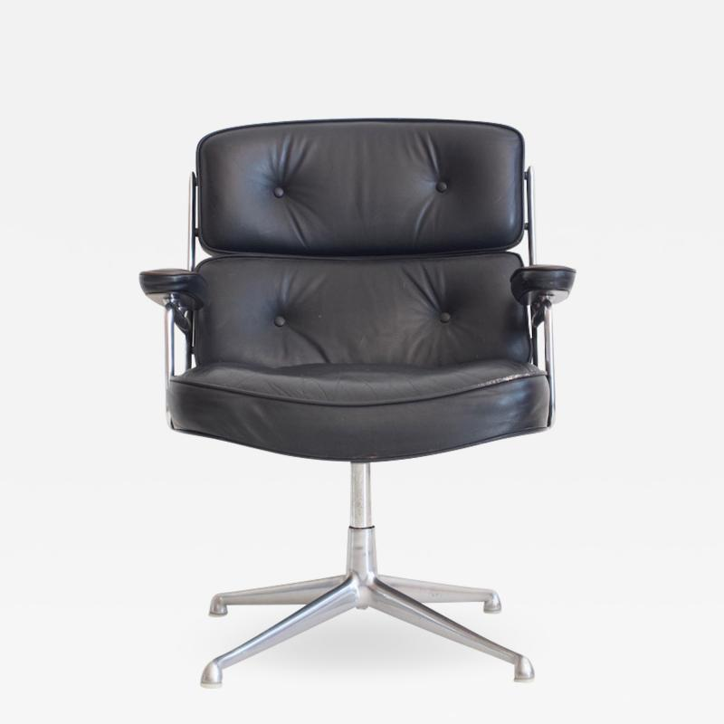 Charles Ray Eames Charles Ray Eames Black Leather Lobby Chair ES 108