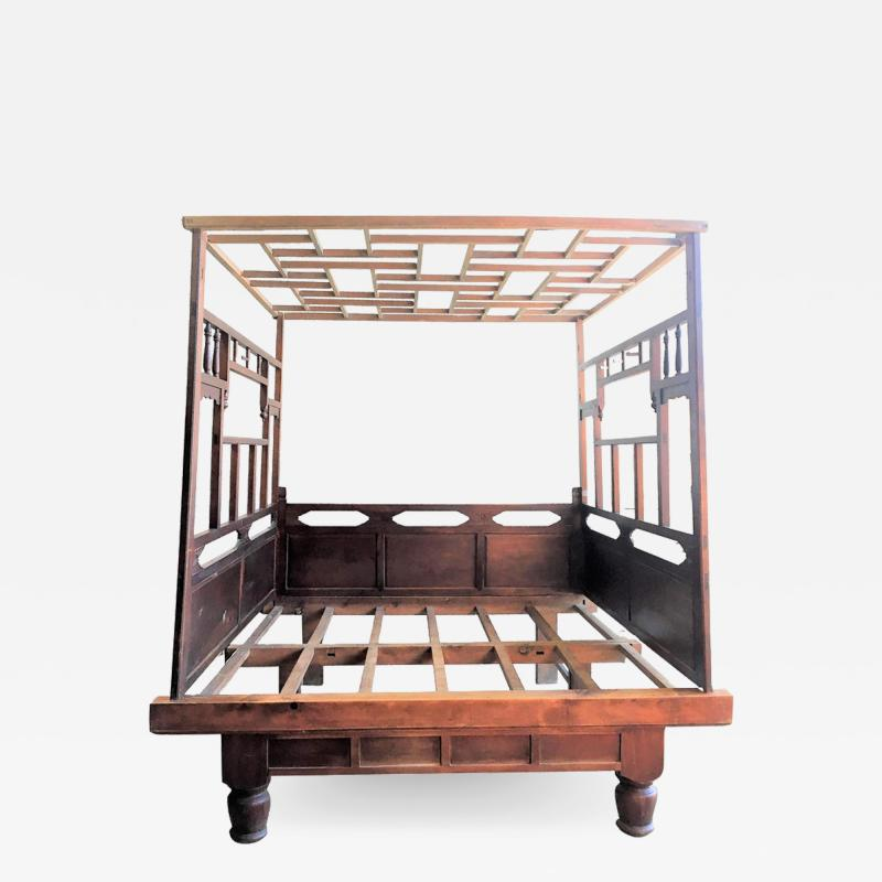 Chinese Enclosed Bed Late 19th Century