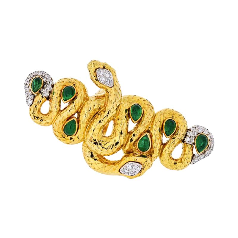 David Webb KINGDOM 18K YELLOW GOLD TWO SNAKES EMERALDS DIAMONDS INTERLOCKING RING