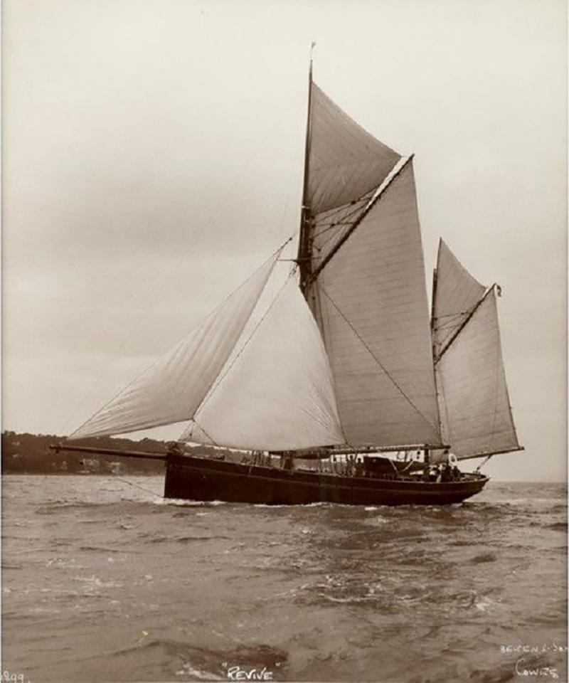 Early silver gelatin photographic print by Beken of Cowes Yacht Revive
