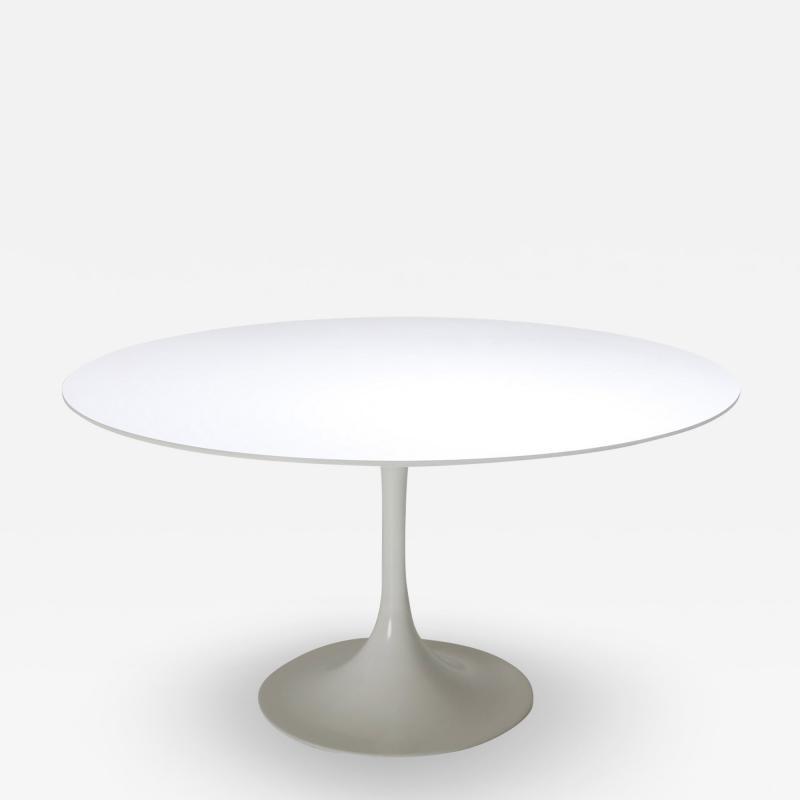 Eero Saarinen Eero Saarinen Tulip Dining Table for Knoll 1970s
