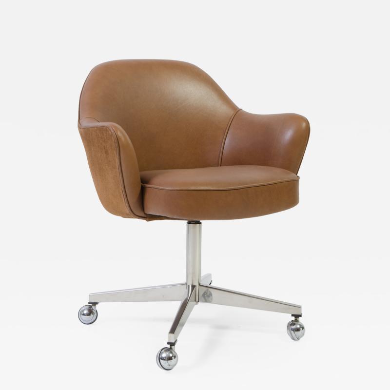 Eero Saarinen Knoll Desk Chair in Contrasting Saddle Leather Suede