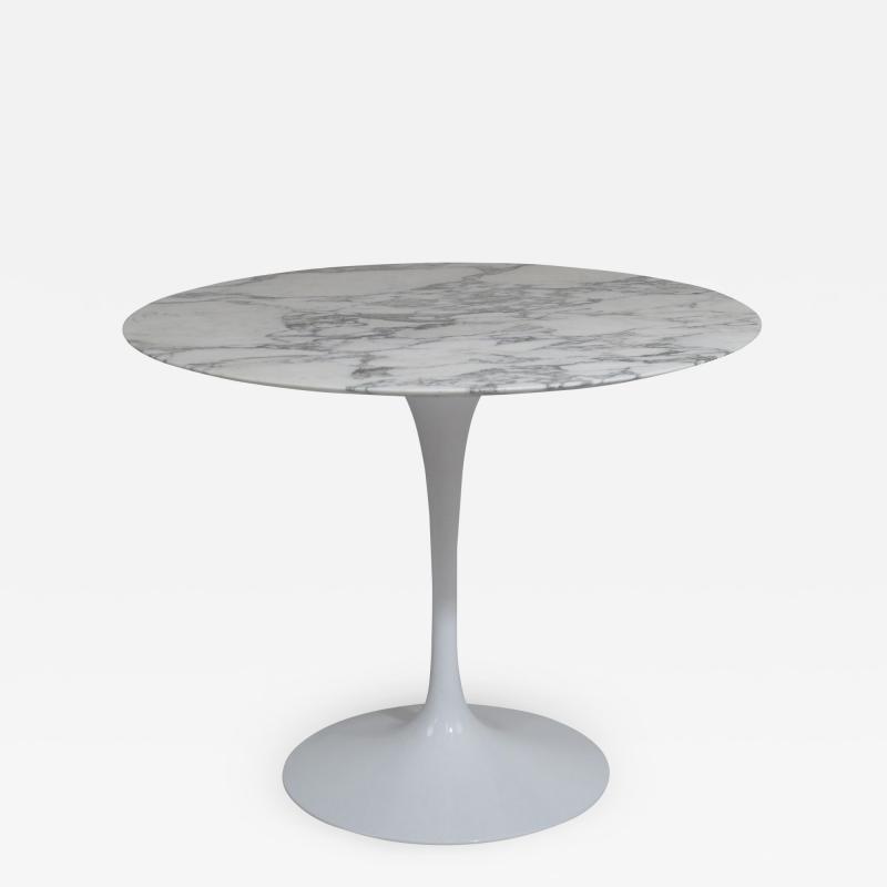 Eero Saarinen Knoll Saarinen 35 Round Arabescato Marble Dining Table