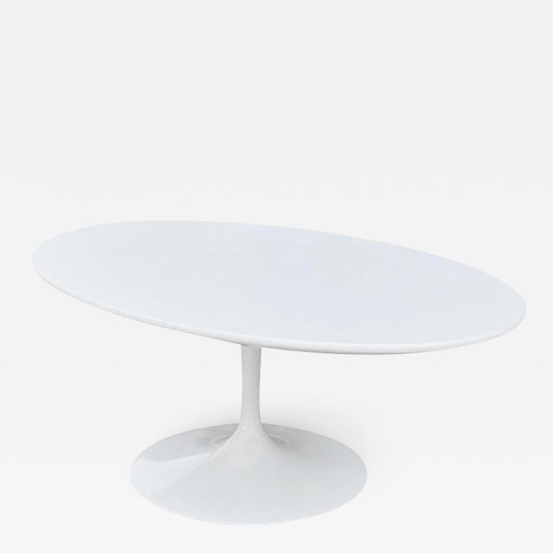 Eero Saarinen Mid Century Modern White Tulip Oval Cocktail Table by Eero Saarinen for Knoll