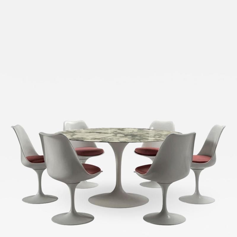 Eero Saarinen Round table and six rotating chairs Eero Saarinen for Knoll around 1960